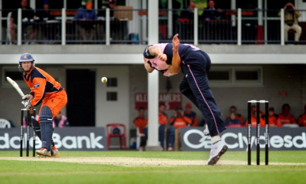 Nederlands cricketelftal in Deventer overtuigend langs Zimbabwe